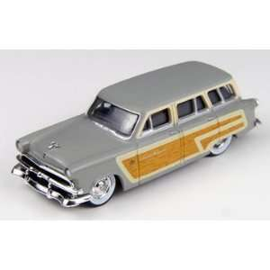 HO 1953 Ford Country Squire Wagon, Woodsmoke Gray Toys & Games