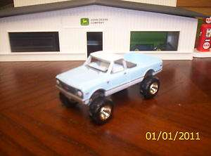 CHEVROLET C 10 4X4 FARM TRUCK 1/64 FARM & RANCH WORK PICKUP TRUCKS