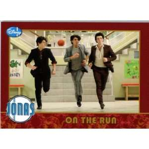 2009 Topps Jonas Brothers Trading Card #8 ON THE RUN